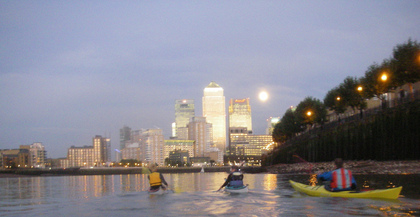 Moon over Canary Wharf (click to enlarge)